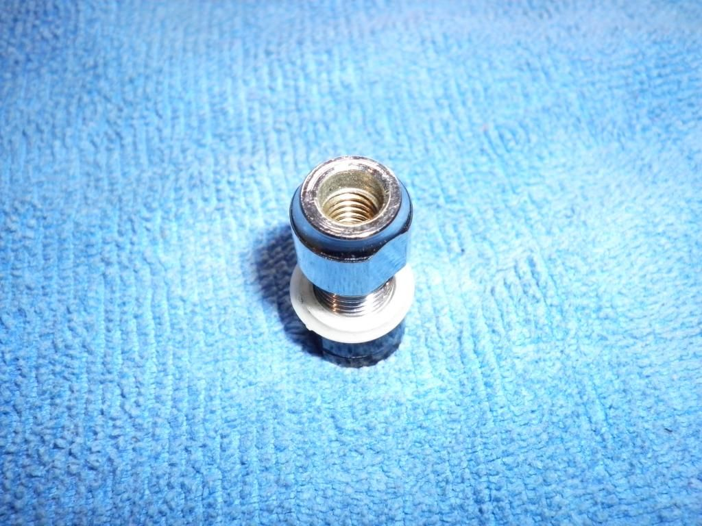 tremolo - Tremolo bar and locking nut pieces SANY2248_zps336188cc