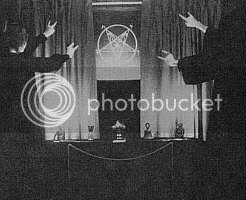SYMBOLE SATANIQUE - Page 2 Satan-disciples