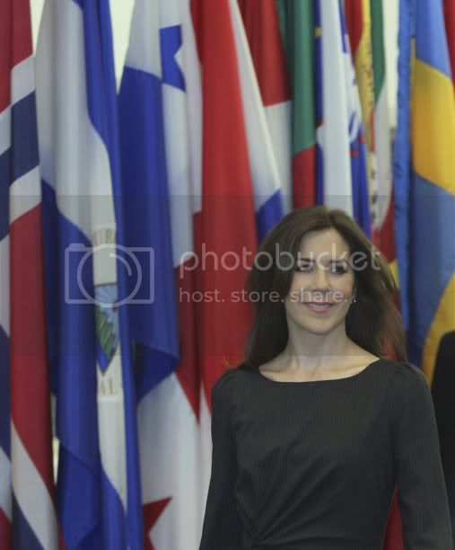 Mary y Frederik - Página 10 2012-02-27T171220Z_1099417835_GM1E82S03G601_RTRMADP_3_USA