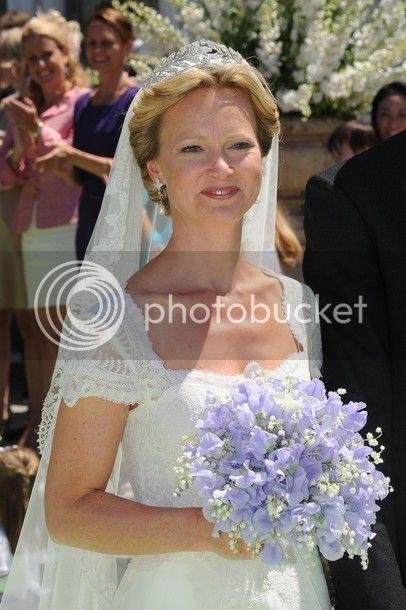Los Borbón-Parma - Página 5 2012-06-wedding-carolina-1