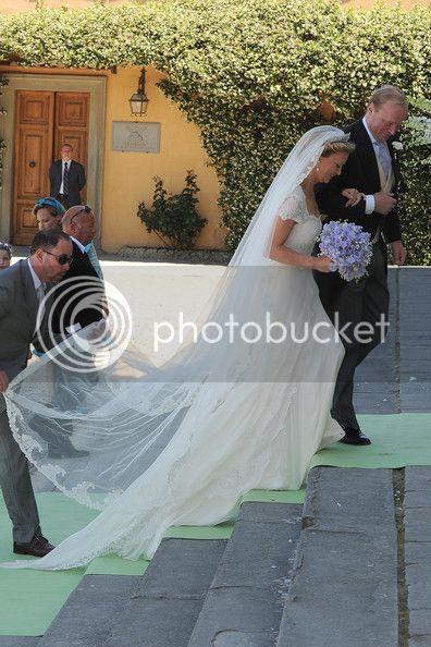 Los Borbón-Parma - Página 5 PrincessCarolinaChurchWeddingMrAlbertws0Z1UaCRmtl