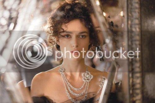 ACTORES Y ACTRICES DE TODOS LOS TIEMPOS - Página 25 Keira-Knightly-Chanel-jewelry-Anna-Karenina-e1342803856703