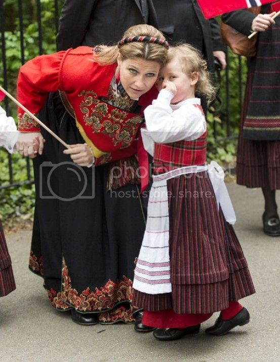 Martha Louisa de Noruega - Página 6 387226f84cbc8168ffe3d61f319af746_zps8bb9b8ec