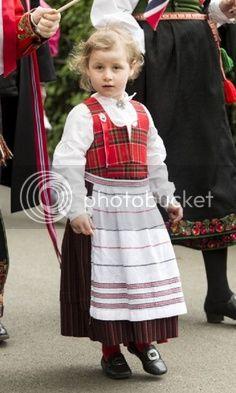 Martha Louisa de Noruega - Página 6 C28b66340e48d492c19c275418cf0d74_zps92ad1a1e