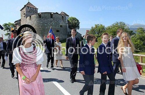 Casa de Liechtenstein - Página 9 20120815_PD4739