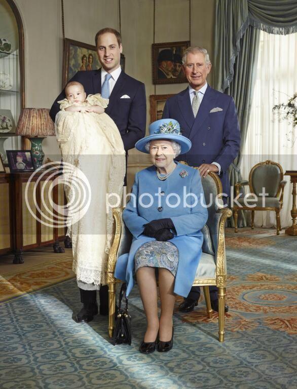 Bautizo Real del Príncipe George Alexander Louis. - Página 4 BXXt1wbCMAATTOo_zpsf3f56a54