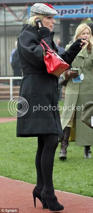 Princesa Ana Mountbatten-Windsor y familia - Página 6 Article-0-0B3418DF00000578-276_306x700