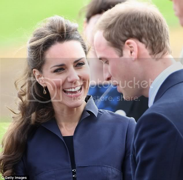 Príncipes William y Harry - Página 24 Article-1375677-0B94A4AF00000578-299_634x623