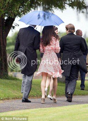 William y Catherine, Duques de Cambridge - Página 15 Article-2167342-13DF7CA2000005DC-553_306x423