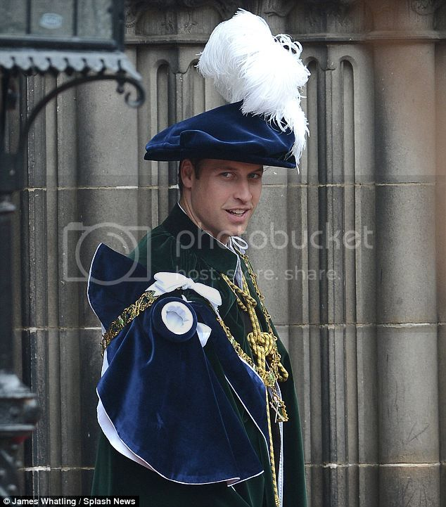 William y Catherine, Duques de Cambridge - Página 15 Article-2169133-13EFB78F000005DC-170_634x721