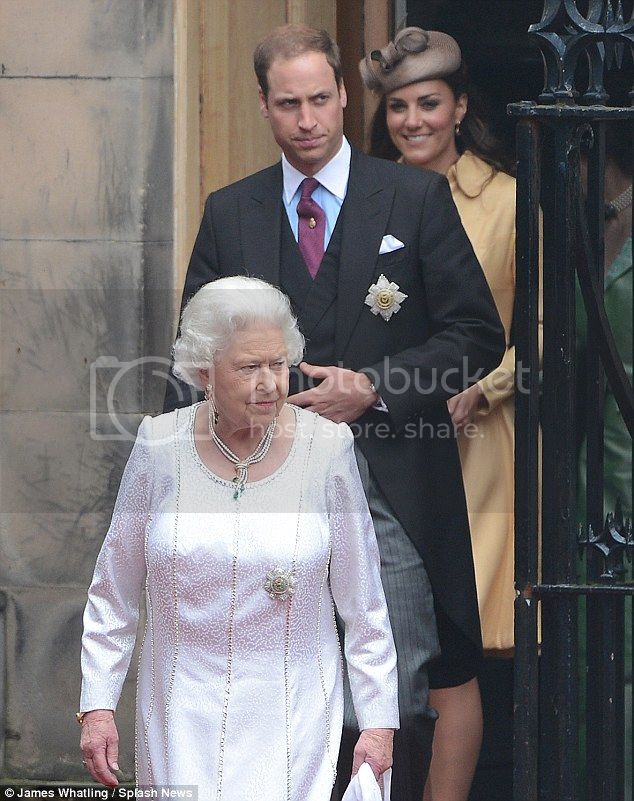 William y Catherine, Duques de Cambridge - Página 15 Article-2169133-13F06129000005DC-205_634x801