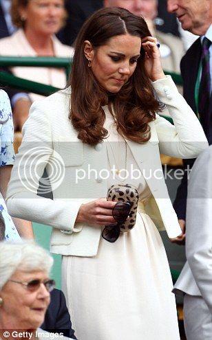William y Catherine, Duques de Cambridge - Página 15 Article-2170424-13F9FFA0000005DC-606_308x495