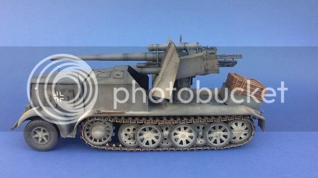 German 8.8cm FlaK 18 Selbstfahrlafette  166ordmsemi-oruga88mmpeazo-gato