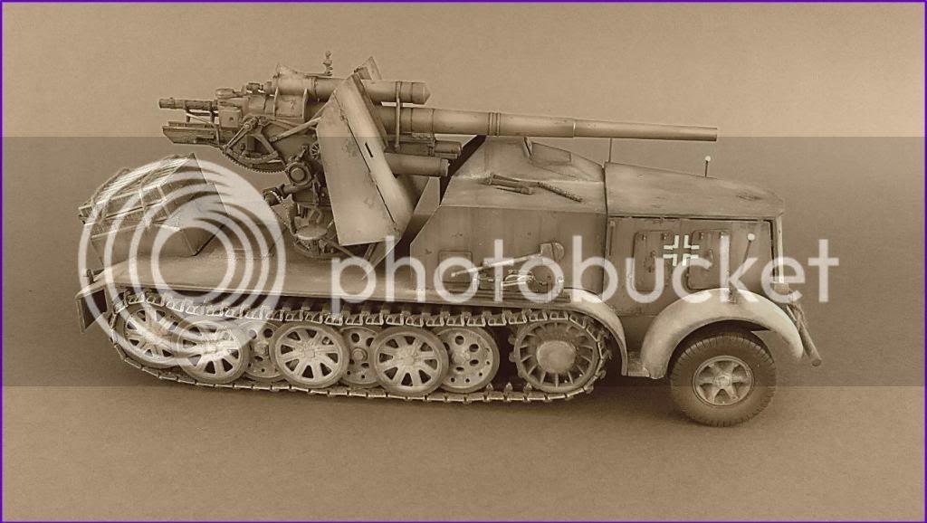 German 8.8cm FlaK 18 Selbstfahrlafette  174ordmsemi-oruga88mmpeazo-gato