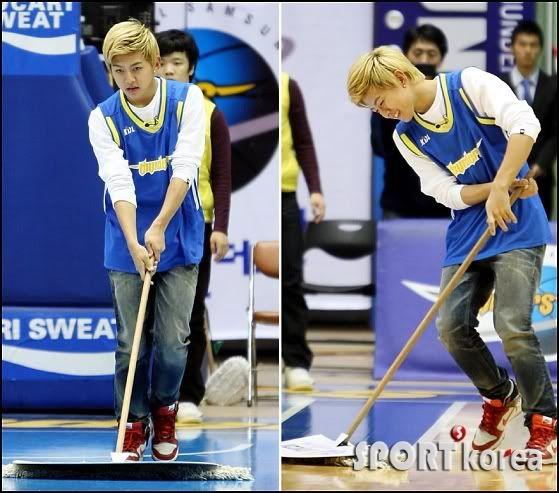 [PICS] 100223 Dongho Pro basketball Samsung vs LG 100223_1