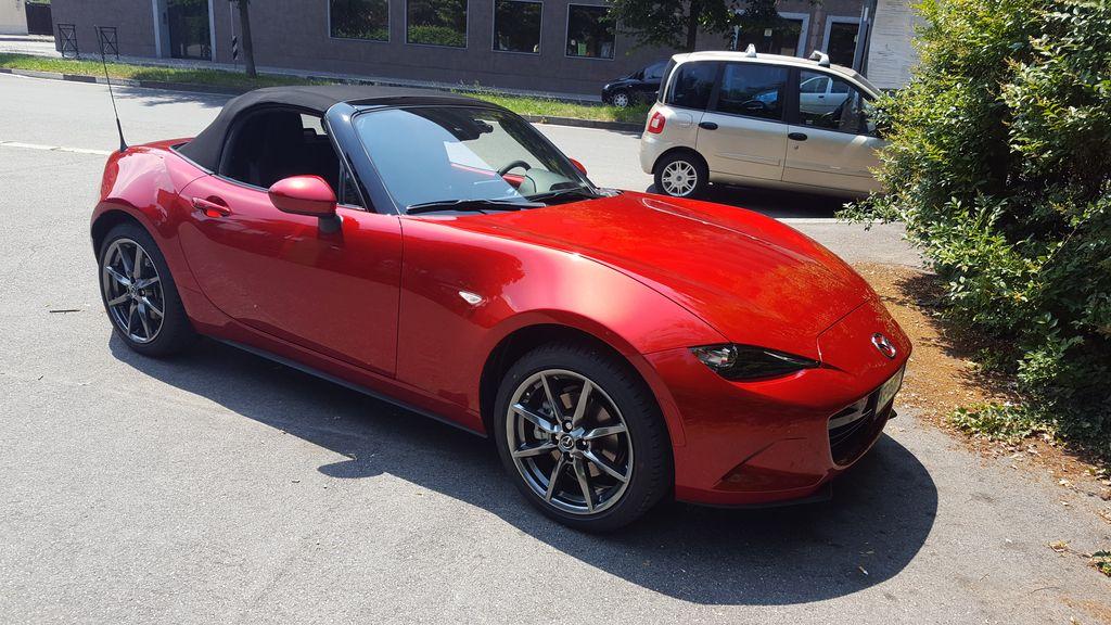 Mazda mx5 2.0 sport 966cfc43d60b1caaeac127d638b0f4f7
