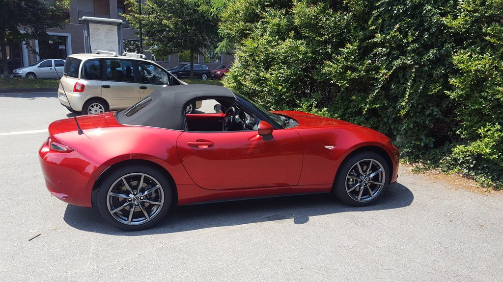 Mazda mx5 2.0 sport 9e7f12e717ce5c07a54201c76277b438