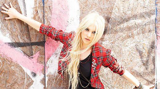 ♦ Taylor Momsen as Jade Wallace Jade