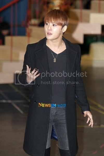 [PICS] 120117 JUNSU ELISABETH MUSICAL REHEARSAL PRESS CONFERENCE 2012011715324210011