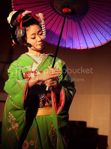[J-Folk] Umekichi, une geisha hors-norme 123083603_f4424c3ec3