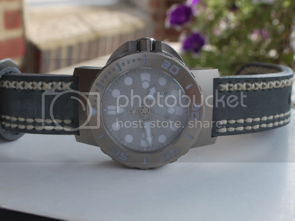 Watch-U-Wearing 9/12/11 H2ogreystrap002