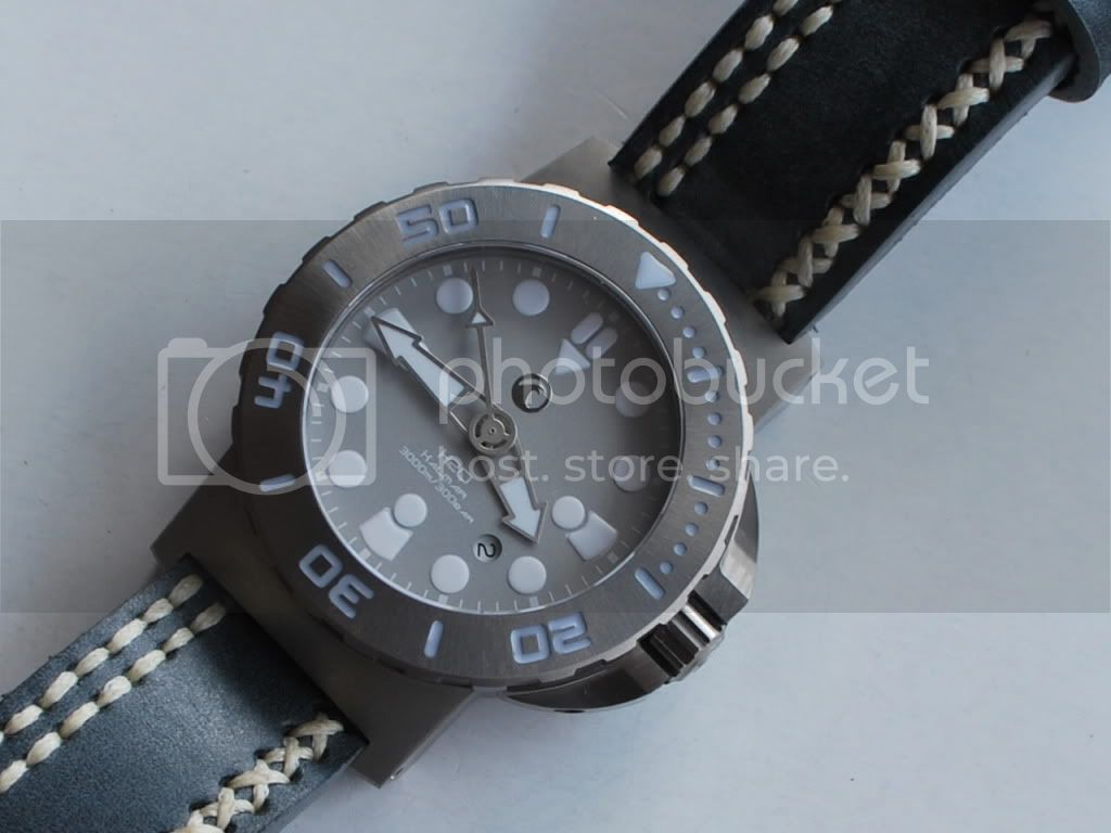 Watch-U-Wearing 9/12/11 H2ogreystrap009