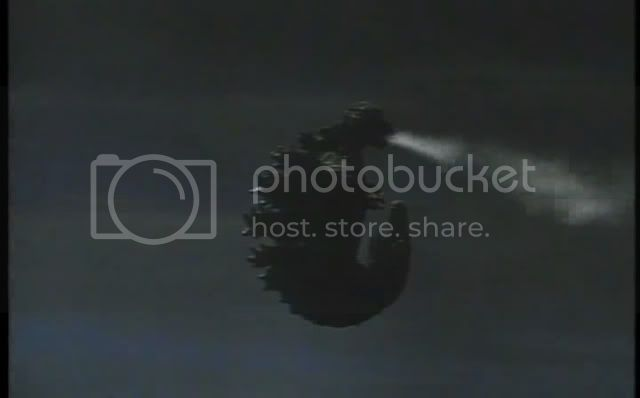 So I'm gonna watch the Godzilla movies - Page 4 1971-GodzillavsHedorahavi13