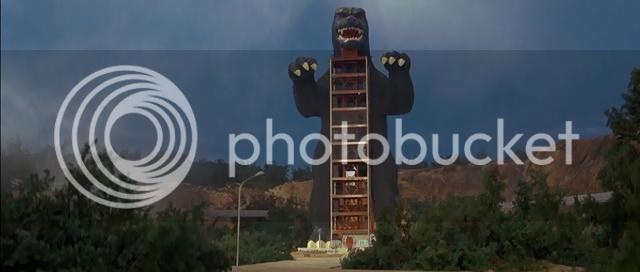 So I'm gonna watch the Godzilla movies - Page 4 1972-GODZILLAVSGIGANavi_snapshot_001926_20121022_225058