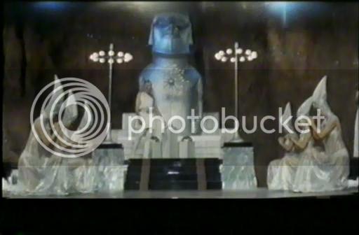 So I'm gonna watch the Godzilla movies - Page 4 1973-GodzillavsMegalondivx_snapshot_001948_20121023_192456