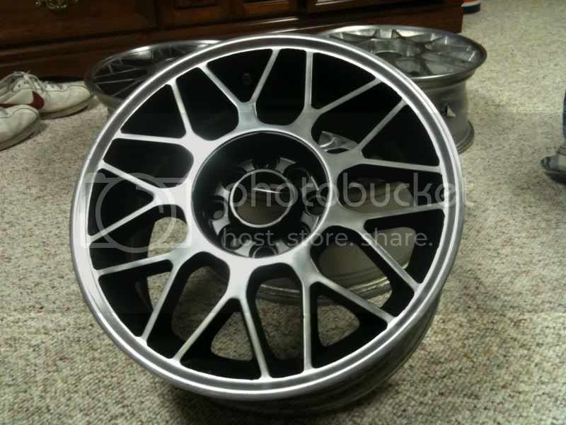 Bought some wheels for the e30  IMG_0554
