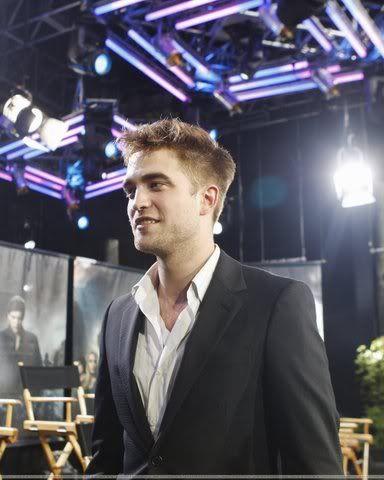 Robert Pattinson, semplicemente ROB - Pagina 3 A1