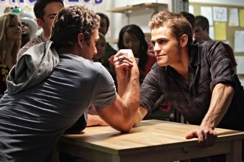 'The Vampire Diaries': Taylor Kinney shows his teeth 58778
