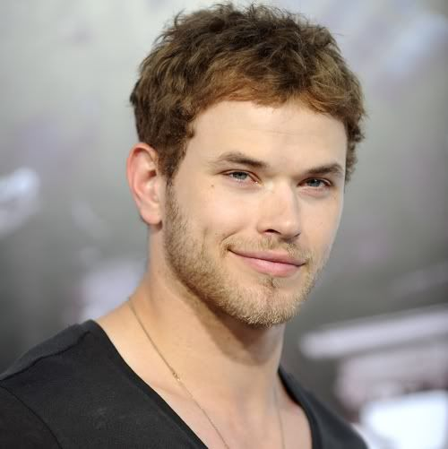 Kellan Lutz: I Don't Have R-Pattz's Hair — But I Have Dimples!  Kellan_Lutz_Aug10newsne
