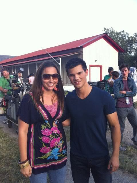 New Fan Photo of Taylor Lautner on the set of Abduction Taylor