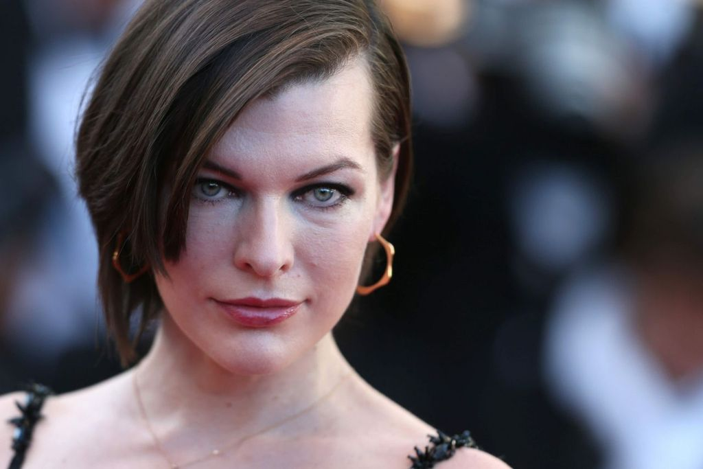 Mai-X-Project Act II - Redemption of the Gods - Episode XVII: Eternal Anxiety Milla-jovovich-the-last-face-premeire-at-69-cannes-film-festival-in-cannes-12_zpsmdamvr55