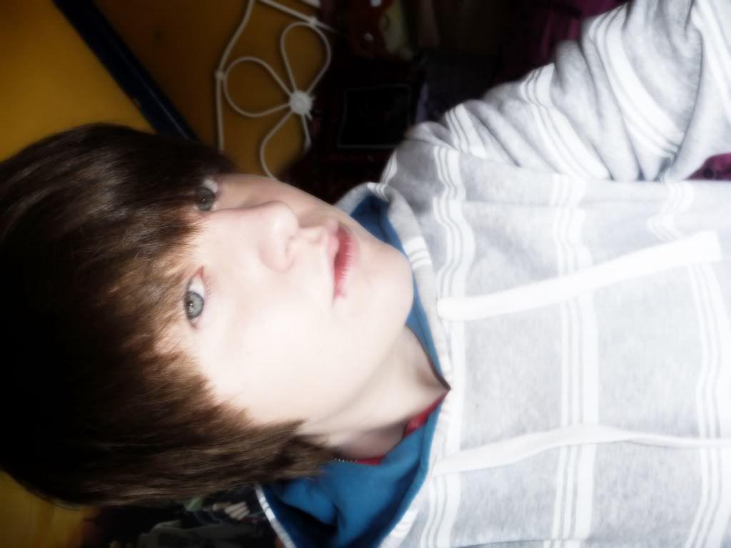 Me =] caucasian xP Nicknewjumper