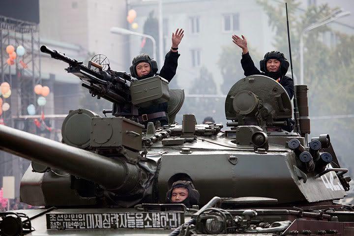 من تقدر كوريا الجنوبية ام كوريا الشمالية  - صفحة 2 Northkoreantankcrewsw02