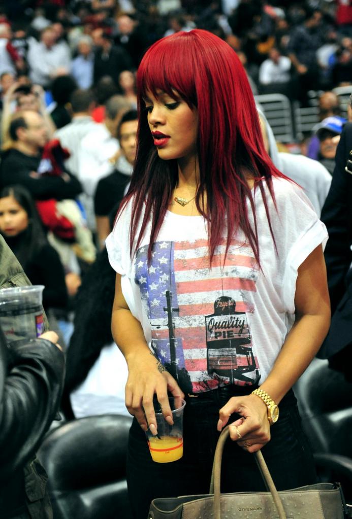 Rihanna .  - Page 4 Untitled34