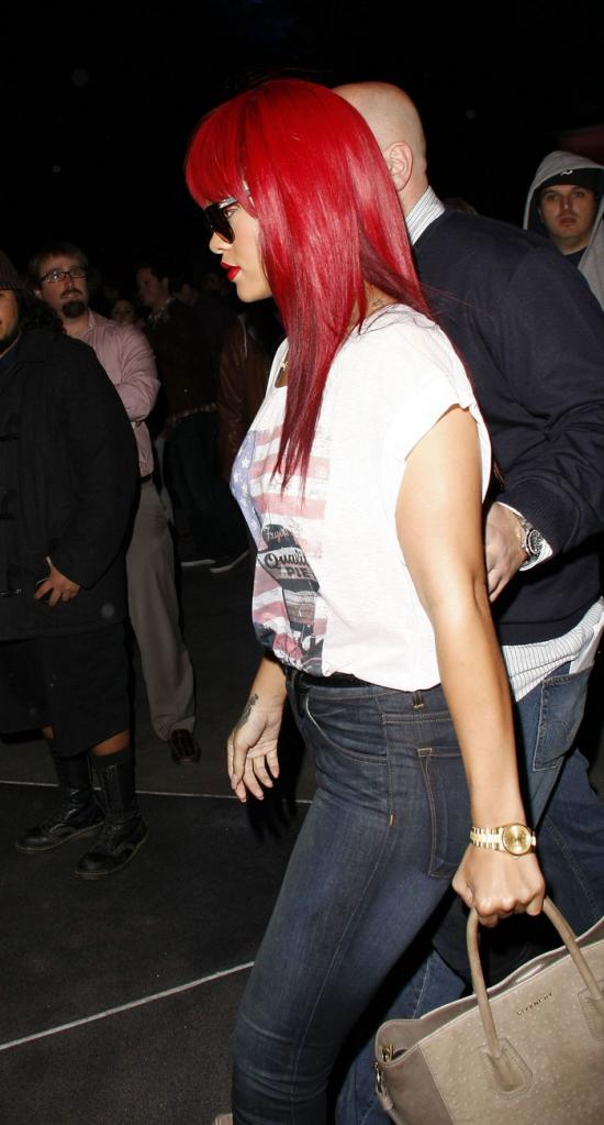 Rihanna .  - Page 4 Untitled35