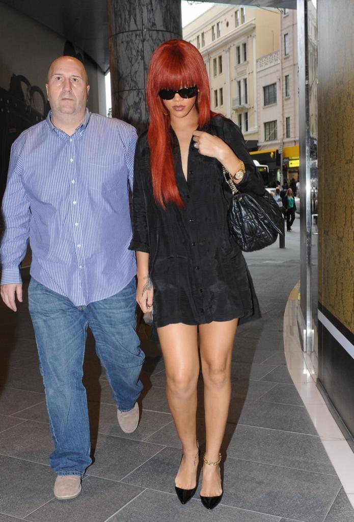 Rihanna .  - Page 4 Untitled42