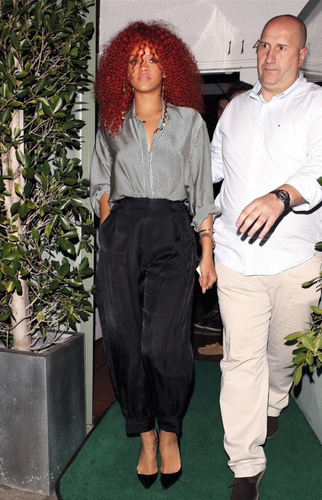 Rihanna .  - Page 4 Untitled53