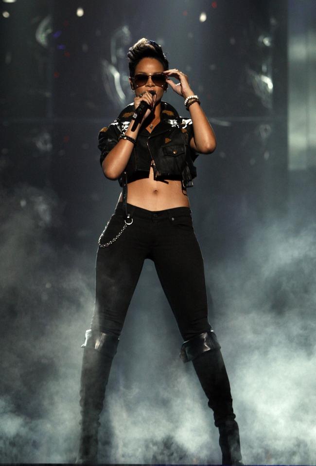 Rihanna .  - Page 4 Untitled23