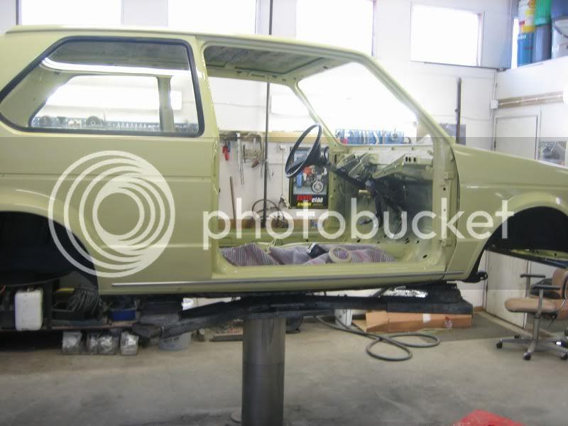 project klonkswagen..(golf 1-80) - Sivu 2 Koppa_maalattu3