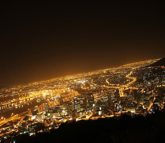 10 Beautiful Places in the World Cape_town_night