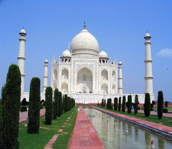 10 Beautiful Places in the World Taj_mahal_1
