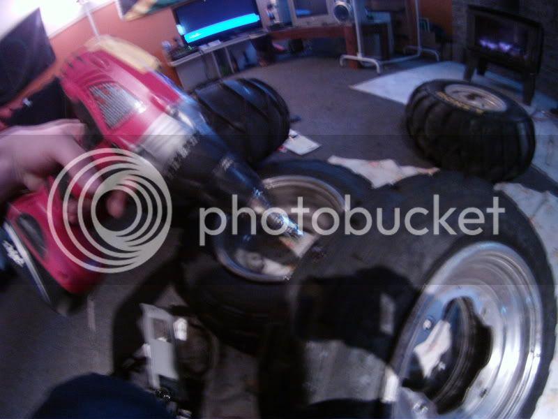 Clouté ces propre pneu pour pas cher. GOPR0374