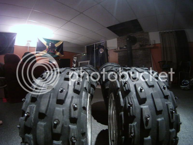 Clouté ces propre pneu pour pas cher. GOPR0387