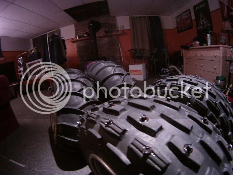 Clouté ces propre pneu pour pas cher. GOPR0390