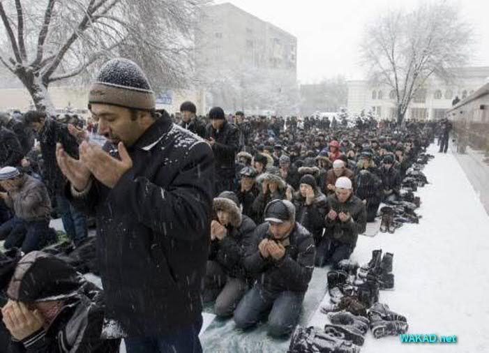 صلاة جمعة في كازخستان 68235