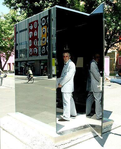 Public Toilets Laplaca7-6-41